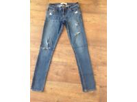 Ladies Hollister Skinny Fit Distressed/Ripped Jeans.