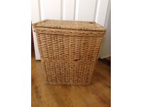 Wicker laundry basket with lid and side handles - very clean - bargain