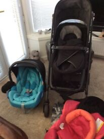 MAXI-COSI PRAM/BUGGY FITS **SMALL CAR BOOTS**