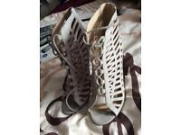 Very good condition New Look High (3.5inch.) Lace-up Shoes for Women