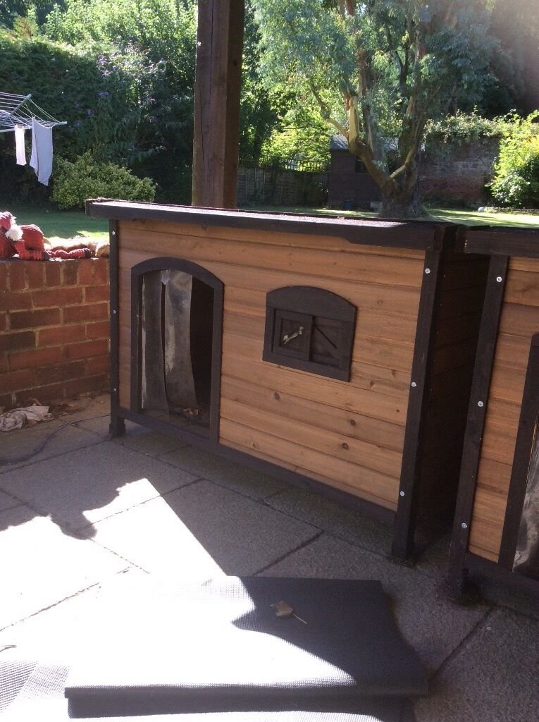 Large Dog Kennels Wood Effect With Hinged Roof Suitable For Dogs
