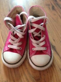 Infant girls converse pink size 9