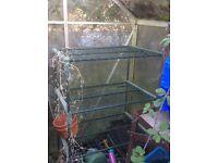 Shelf unit for greenhouse