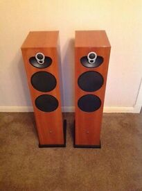 Linn Majik 140 Speakers in High Gloss Cherry Finish