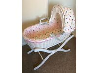 Joules Wicker Moses Basket & Wooden Stand