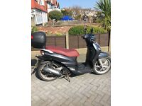 Excelent condition I includes helmet and storage box