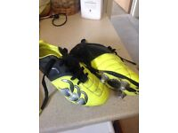Kids Canterbury rugby boots, size 1