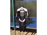 Girls wetsuit, hardly worn. Fit age approx 6-8 year old