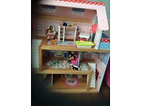 Kidd Kraft wooden 3 storey dolls house with figures