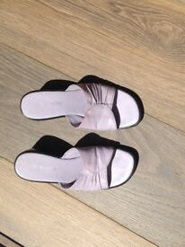 Leather lilac sandals