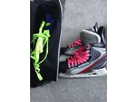 Bauer Men's Ice Skates Size 8.5 & Bag. Great condition