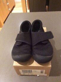 Clarks black sand shoes