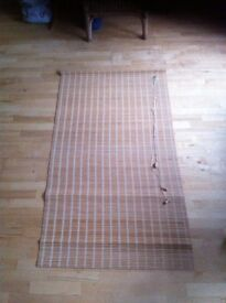 six blinds in good condition