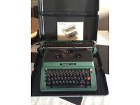 Manual type writer