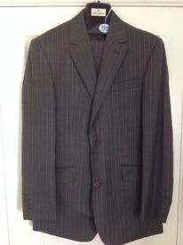 Berwin & Berwin (House of Fraser) Grey Pin Strip 2 Piece Suit 38R chest & 34S Leg