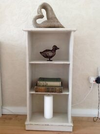 Small bookcase/display shelves country style/shabby chic