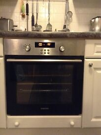 Samsung built in electric oven with duel cook technology