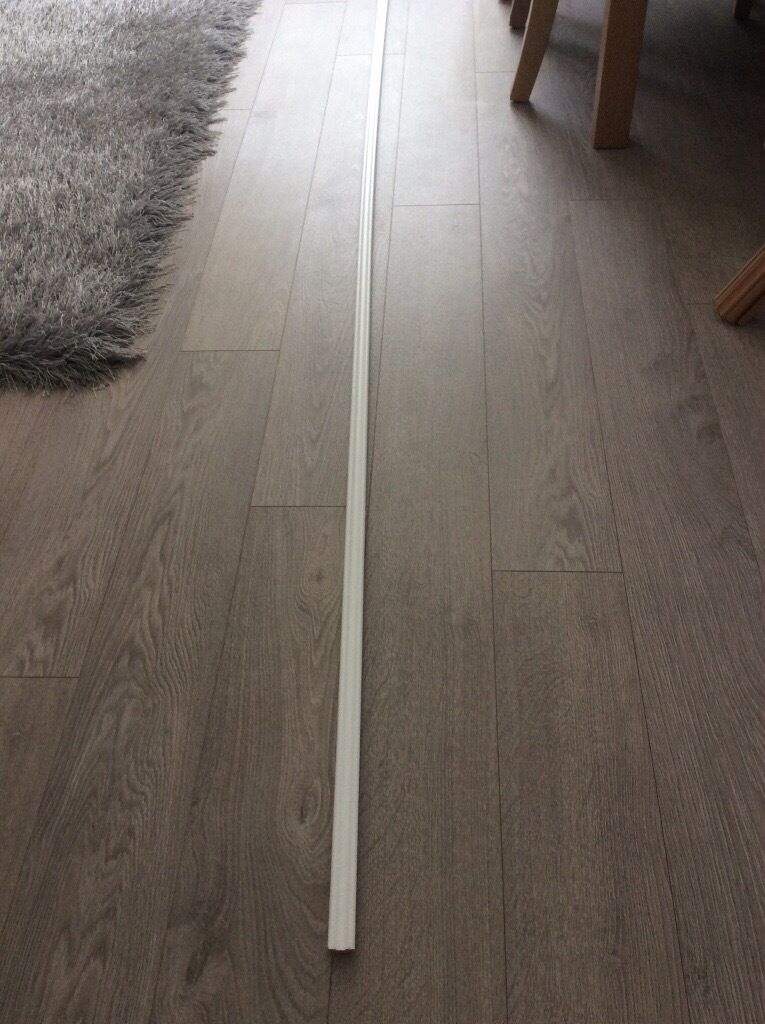 Floor Beading 7 Lengths Of White Laminate