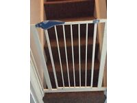 2 Stairgates for sale £10 each