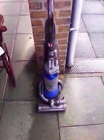 DYSON DC25 MULTI FLOOR BALL UPRIGHT VACUUM CLEANER