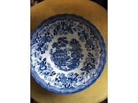 Blue and white The Georgian Collection Churchill serving bowl