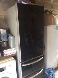Black fridge/freezer
