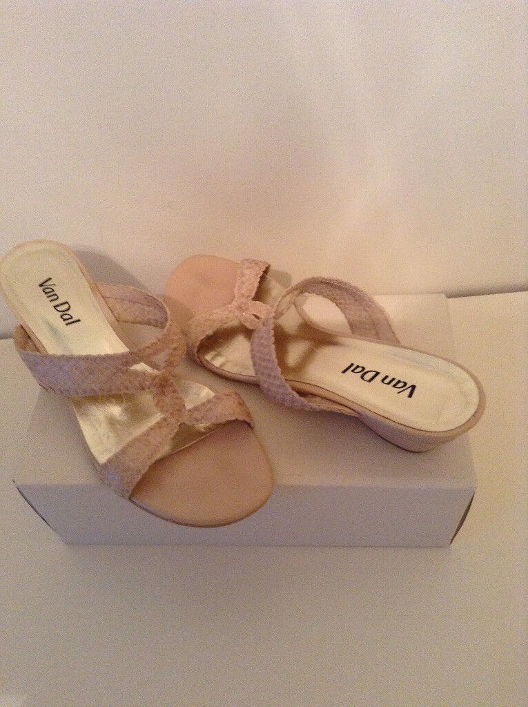 Ladies VAN DAL Cream Sandals