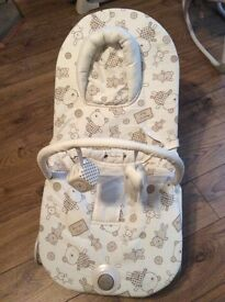 Barely used mamas and papas baby bouncy chair