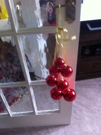 BOXED 3 SETS OF LUXURY DANGLING CHRISTMAS BAUBLES ON RIBBONS AND BOWS