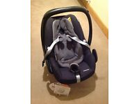 Maxi Cosy Pebble Plus i-size car seat plus new-born insert
