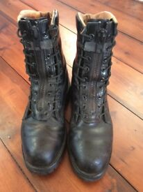 CHIPPEWA leather steel toe boots. Size fits as a U.K. woman's 6. Black.