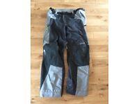 KLIM MENS BLACK GORTEX TRAVERSE MOTOR CYCLE PANTS SIZE 38