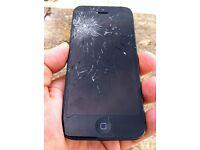 Smashed Broken Black iPhone 5/5s