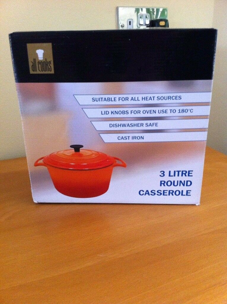 3 Litre Cast Iron Round casserole NEW BOXED