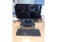 Dell Monitor with Keyboard - Excellent Condition