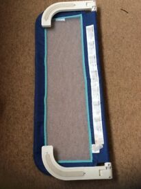 Portable bed guard Blue