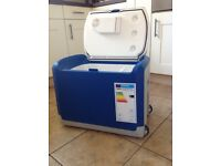 Halfords 40 Litre Electric Mains and 12 Volt Coolbox