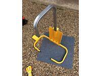 Metal wheel clamp with keys