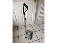 Gteck carpet sweeper in good condition hardly used