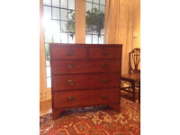Antique mahogony chest of drawers