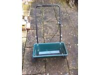 Lawn Feed Spreader - With adjustable Feed Controls, ideal for large areas/professional use