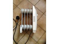 Kingavon 500W Mini Portable 5 Fin Oil Filled Heater