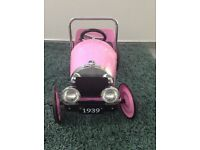 Great gizmos pink classic ride on pedal car
