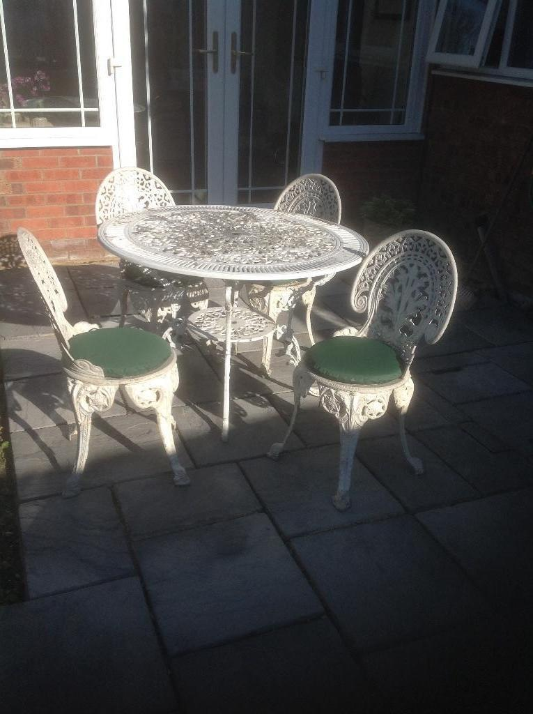 White metal garden table and chairs in bowerhill for Metal garden table and chairs