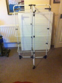 Clothes rack for drying clothes
