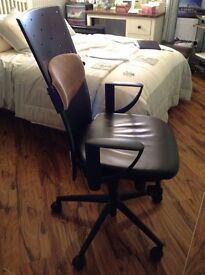 Used/excellent Condition Professional Executive Office Chairs. Price in decription