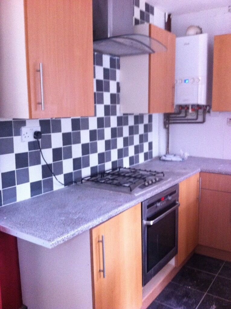 ROOM TO LET NICE PART OF ERDINGTON NR TRAIN STATION AND BUSES