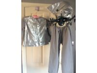 Fancy dress - stunning 3 piece shark outfit age 4-7 - really great on
