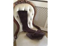 Brown Tod boots