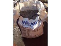 Wickes blue slate chippings